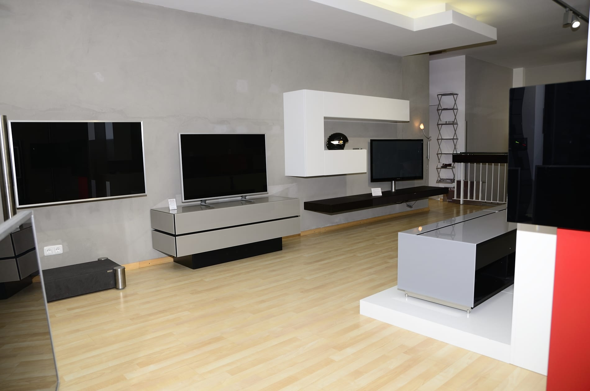 tv und hifi m bel studio showroom in m nchen maxvorstadt. Black Bedroom Furniture Sets. Home Design Ideas